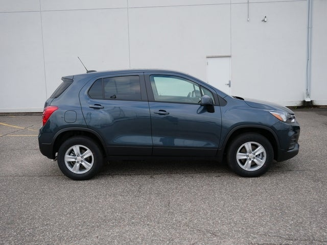 Used 2021 Chevrolet Trax LS with VIN KL7CJNSB4MB348591 for sale in Bloomington, Minnesota